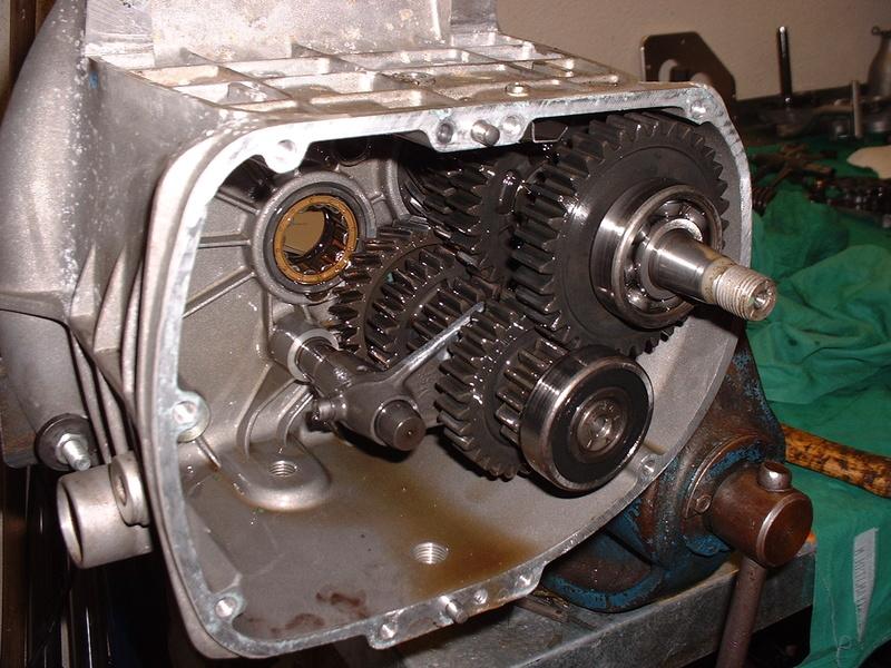 Joergs Motorcycle Pages: BMW R-series gearbox overhaul
